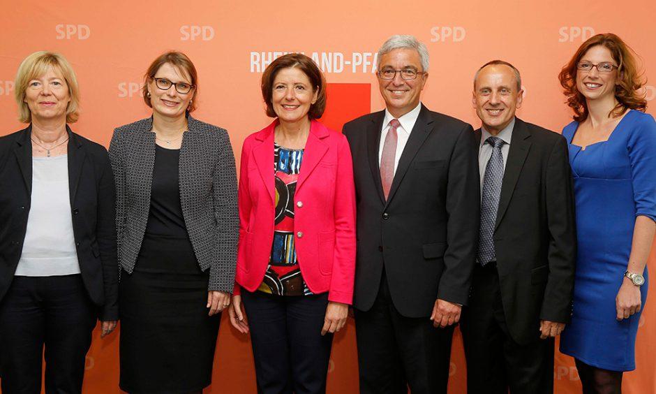Designierte Kabinettsmitglieder: Ahnen, Hubig, Dreyer, Lewentz, Wolf, Bätzing-Lichtenthäler.